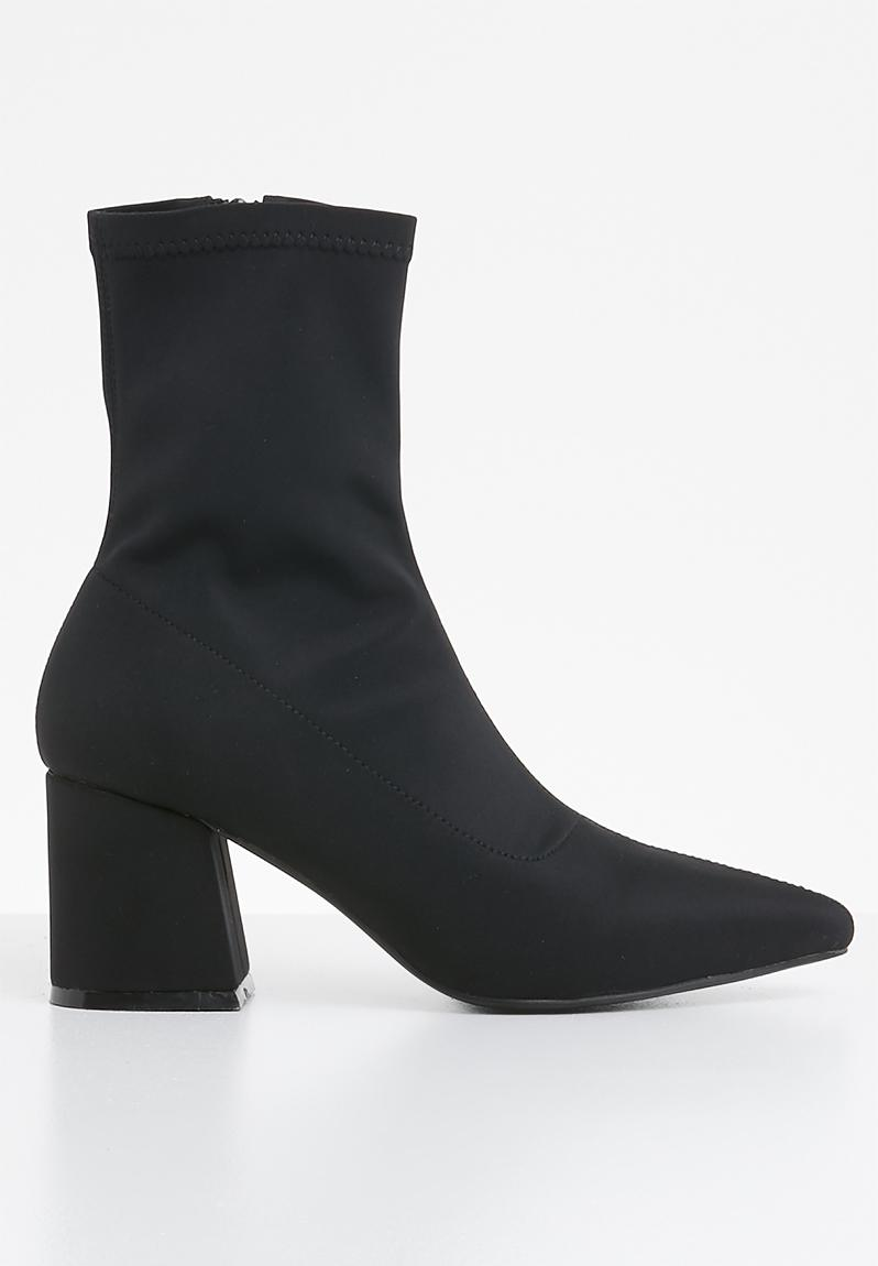 4e924369d1c6 Mid heel sock boot - black Missguided Boots