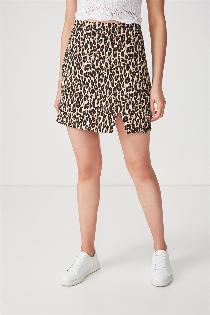 c6d9c7b0876 Short Skirt Summer Outfits - raveitsafe