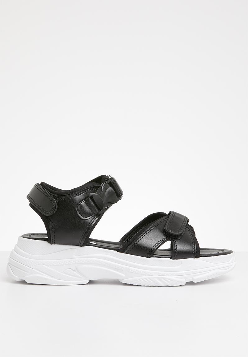 Sloan chunky sandal - black Superbalist