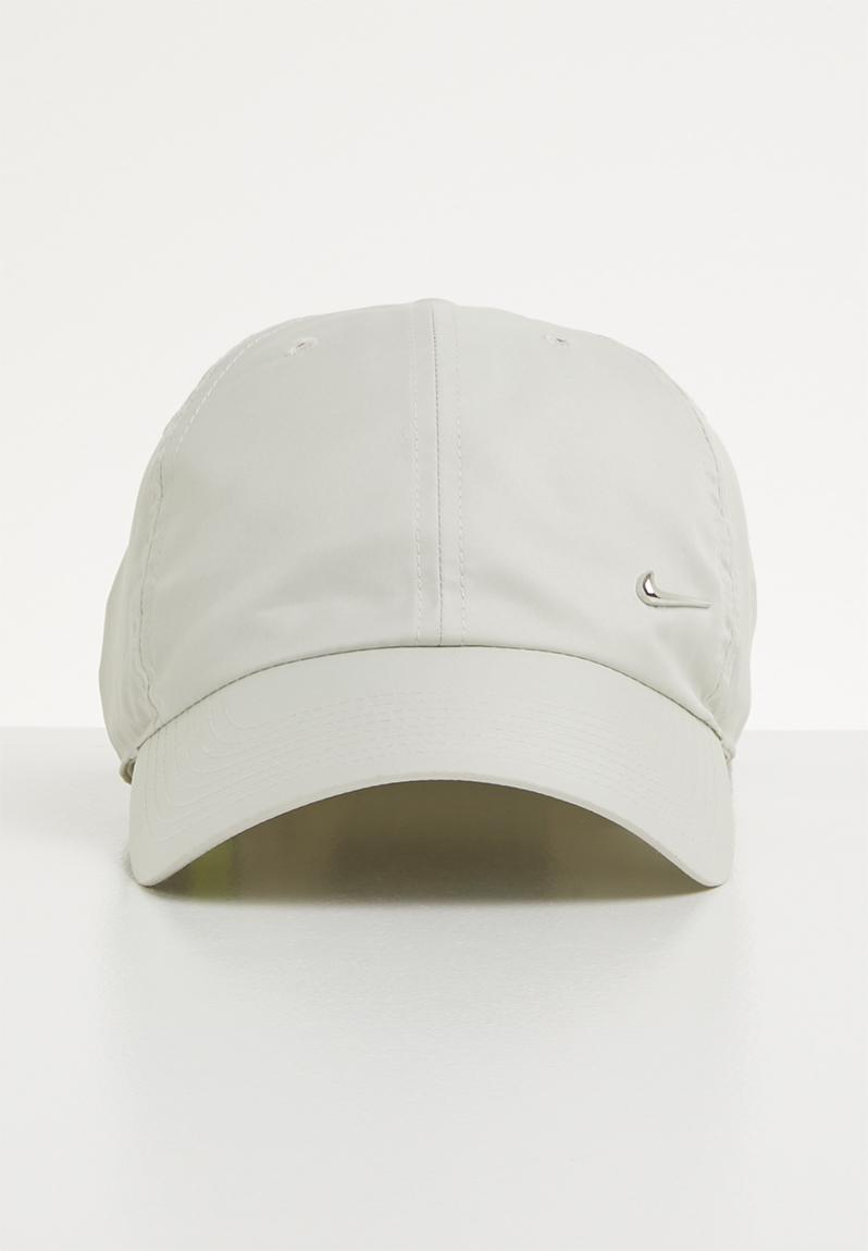 8f0d8e4f9e3 H86 Cap metal swoosh - light bone metallic silver Nike Headwear ...