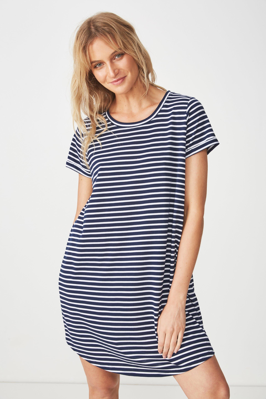 1cd864a20ea6 Tina T-shirt dress - beau stripe moonlight white Cotton On Casual ...