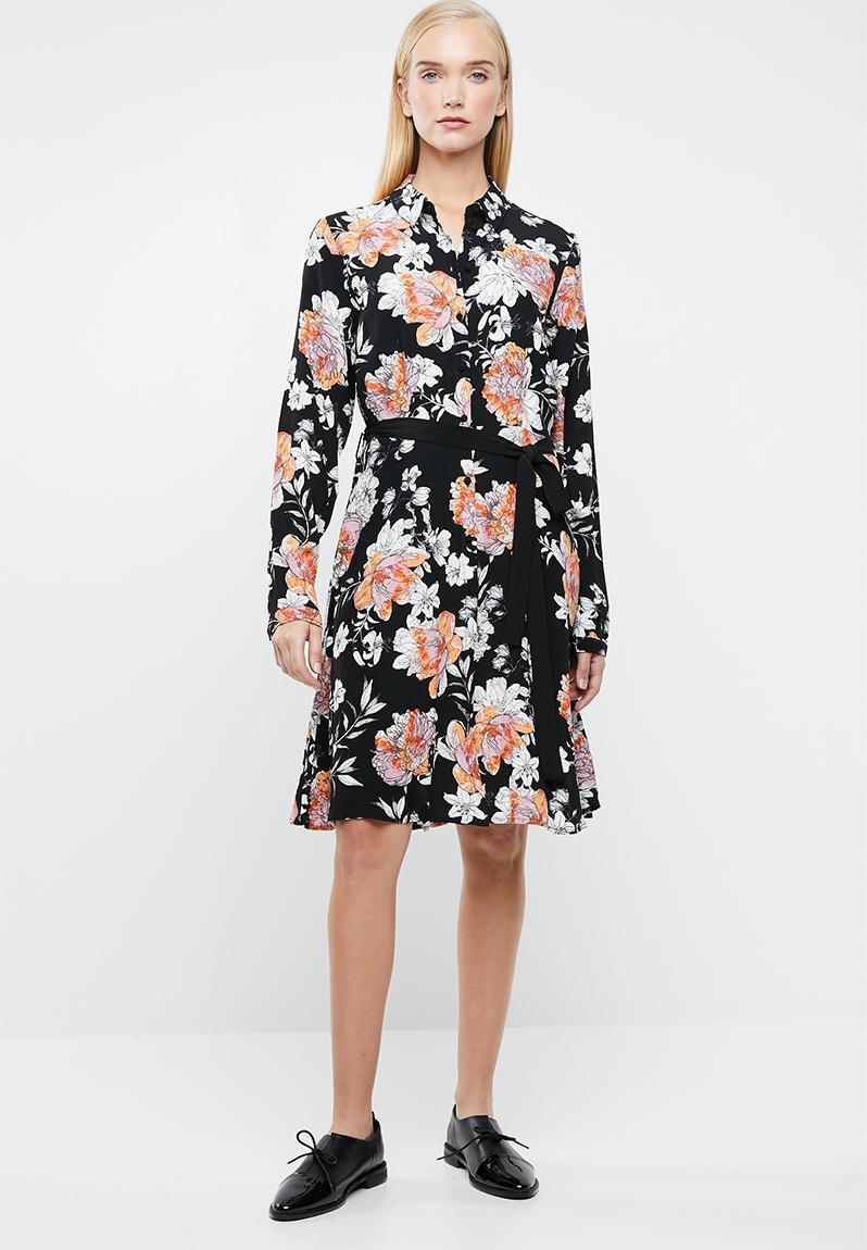 11e808b47a Short Sleeved Maxi Dress With Allover Print And Waist Belt