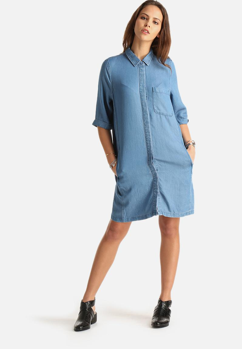 Elan denim long shirt light blue denim vila shirts for Ladies light denim shirt