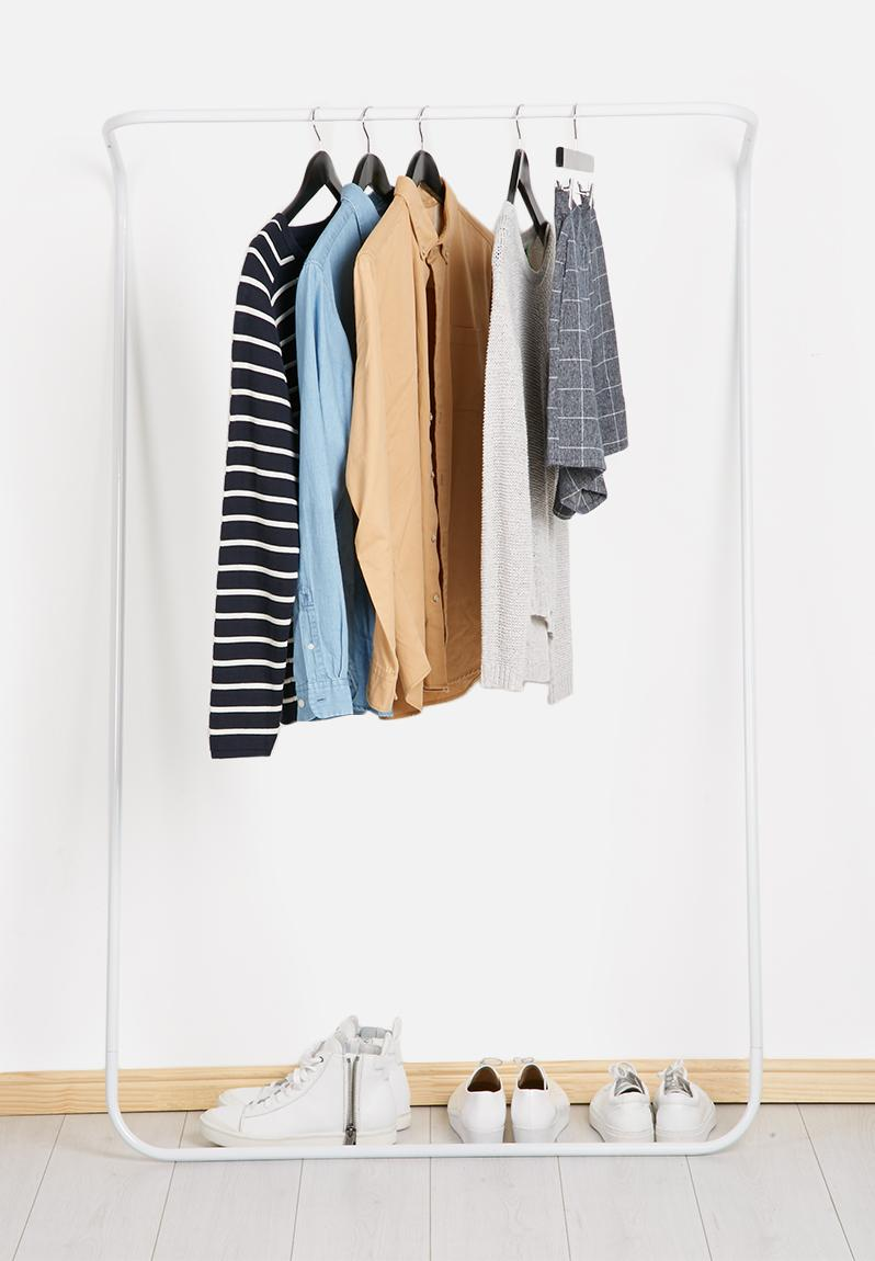 clothes rail white emerging creatives apartment. Black Bedroom Furniture Sets. Home Design Ideas