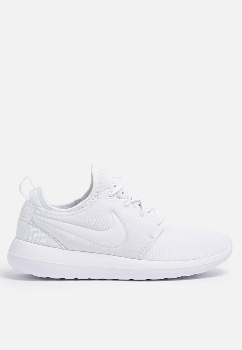 05d0f3fa0cbe Nike W Roshe Two - 844931-100 - White   Pure Platinum Nike Sneakers ...