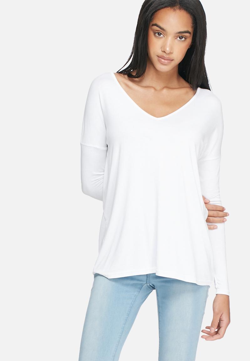 Basic v neck top white dailyfriday t shirts for Best white t shirt women s v neck
