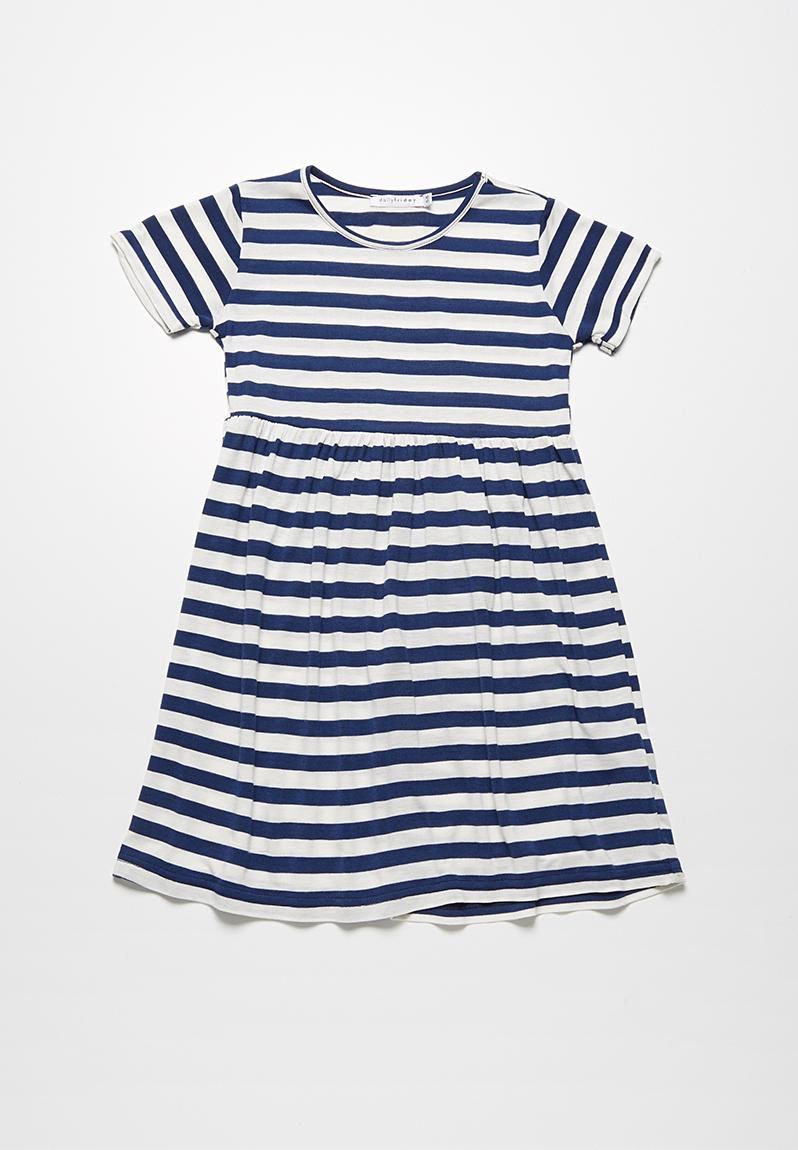 Striped t shirt dress navy and white stripe dailyfriday for Navy striped dress shirt