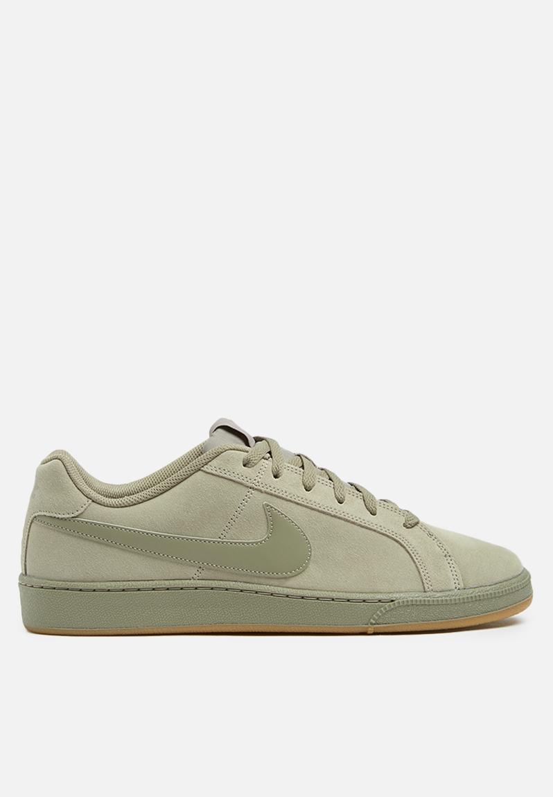 94192f4dc987 Nike Court Royale Suede - 819802-202 - light Taupe   Gum Light Brown Nike  Sneakers