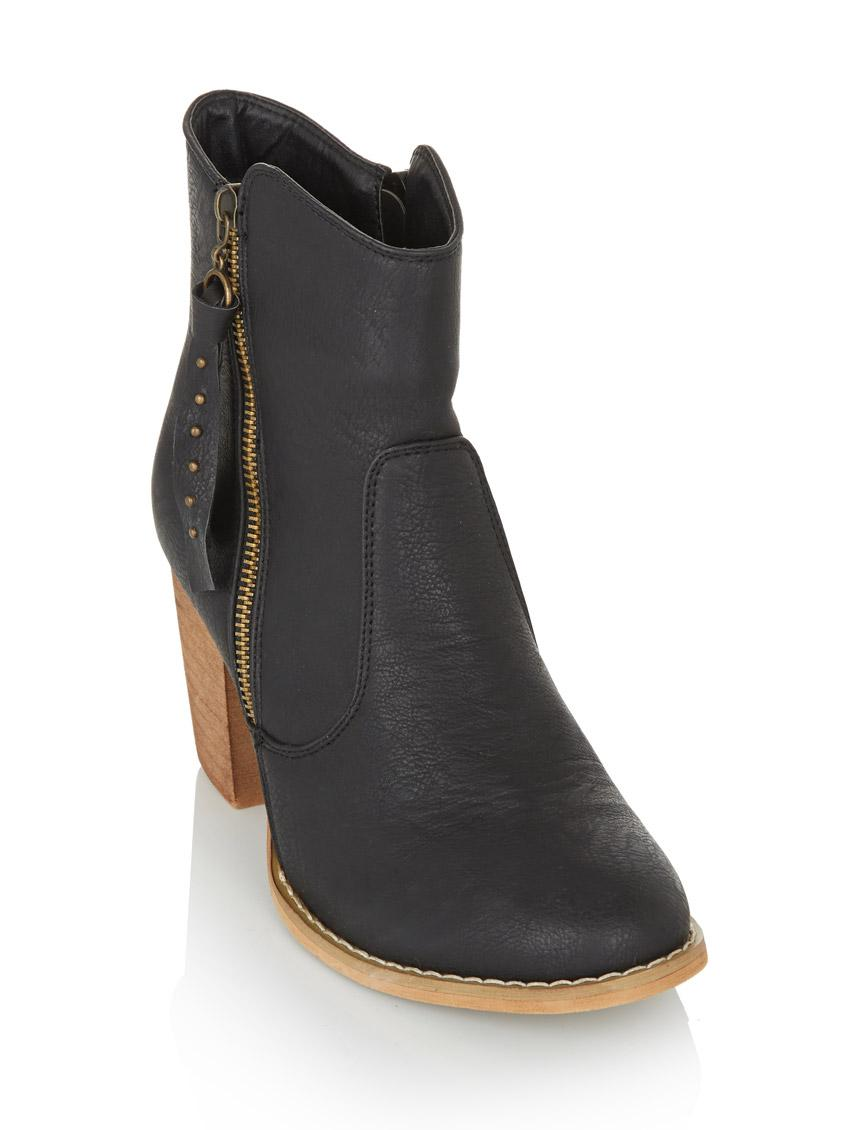 63be3b87f409 Ankle boots with block heel Black RAGE Boots