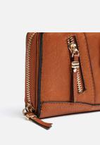 New Look - Zippy Zip Around Purse