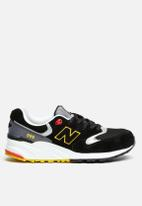 New Balance  - ML999PB