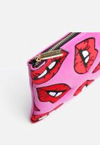 Skinnydip - Lips Clutch