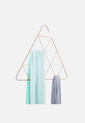 Pendant scarf hanger triangle