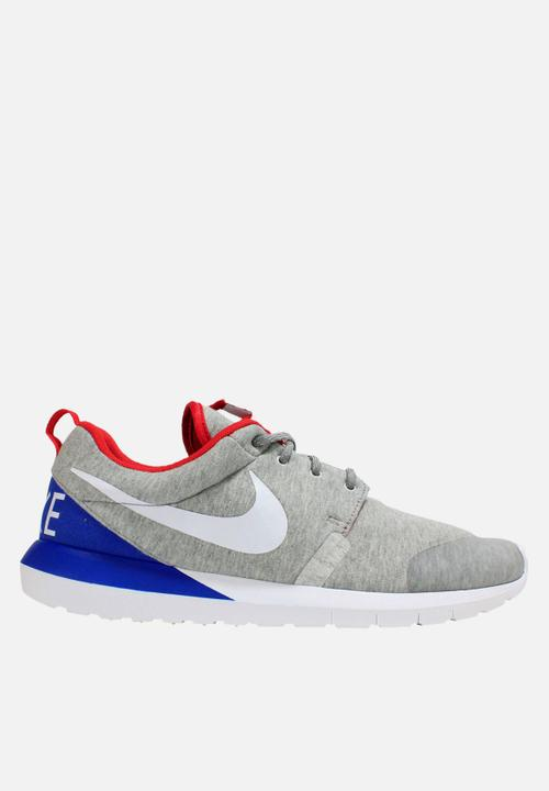 31acda81112 Nike Roshe Run NM W SP – Light Grey Nike Sneakers