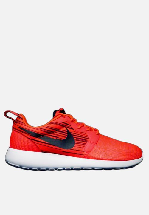 b1e38846ec51f Roshe Run Hyperfuse - Red Nike Sneakers