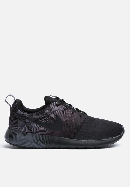 54dded8b25ac6 Roshe One Print - black Nike Sneakers